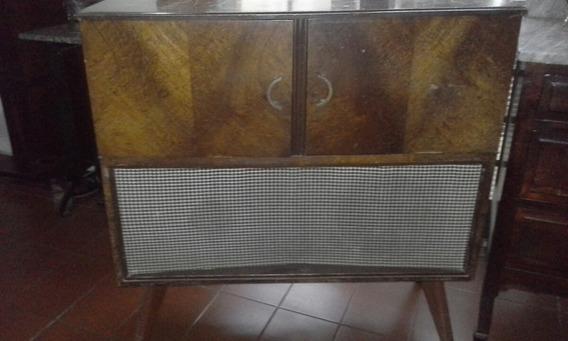 Radio Vitrola Valvulada De Movel (antiga / Restauro )
