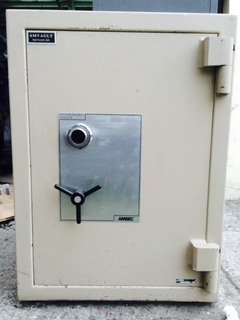 Caja Fuerte De Alta Seguridad Importada Marca Amvault