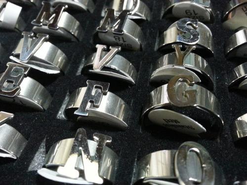 c165aa830dfa Anillos Acero Quirurgico Iniciales - Joyas y Relojes en Mercado ...