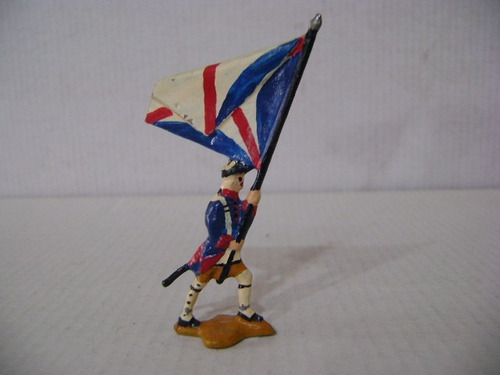 Imagen 1 de 6 de Nico Un Abanderado Marchando Soldados De Plomo (pmv 36b)