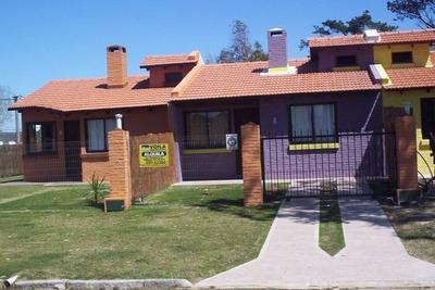 Casa Playa Dos Dormitorios Con Aire Acondicionado Parrillero