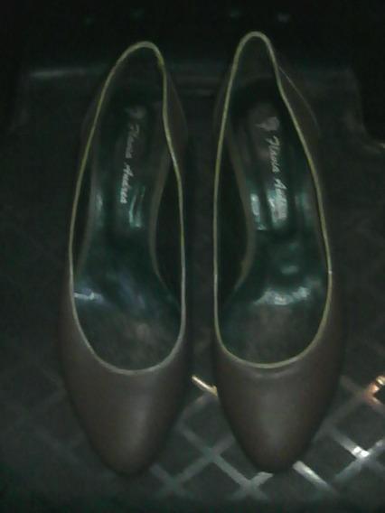 Zapatos Taco Chino De Madera Marca Flavia Andrea