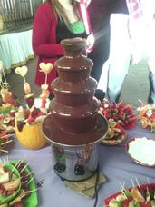 Alquiler Cascada Chocolate Y Queso 4 P. Precios Economicos!!