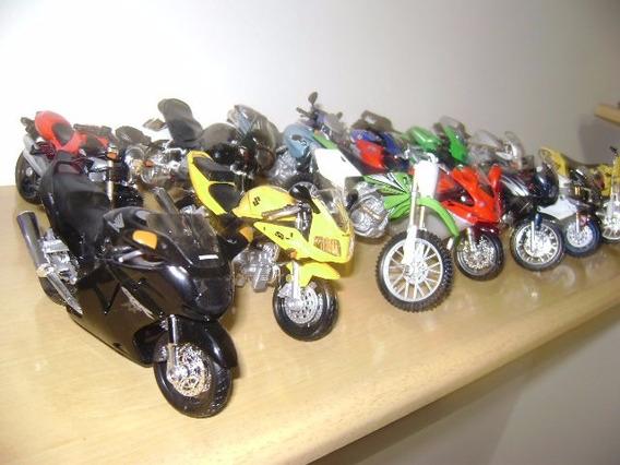 Coleção De 16 Miniaturas De Motos,escala 1:18