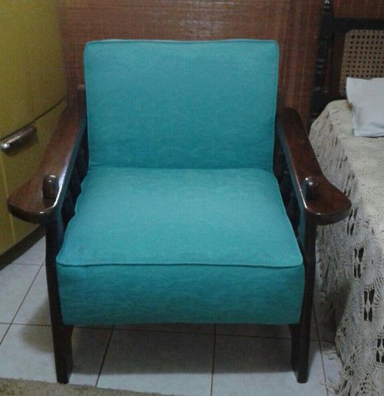Sofa Poltrona Com Braços De Madeira E Acento Na Cor Azul