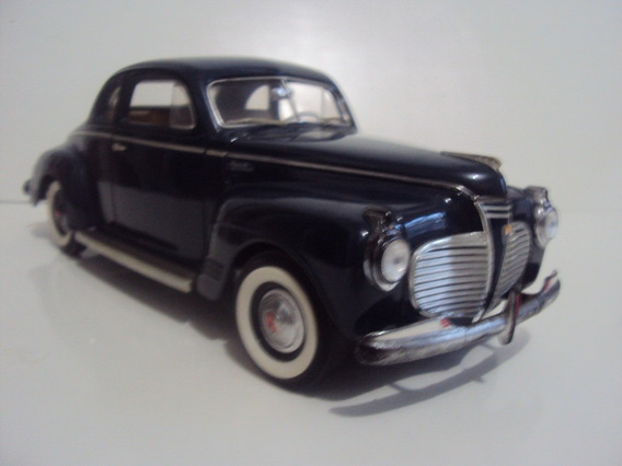 Miniatura Plymouth 1941 Road Signature Azul 1/18