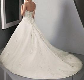 457a24645 Vestido De Noiva Com Cauda - Manequins 40 A 42. R  980