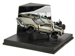Delorean Back To The Future Part2 Flying Sunstar 1:43 24015