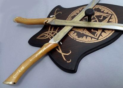 Dos Espadas De Legolas Base Y Funda Cuchillas Elficas Lotr