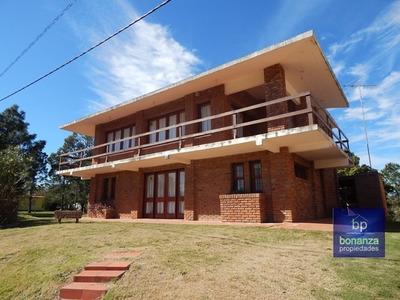 Venta Casa En Piriápolis, Playa Hermosa