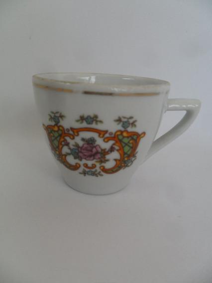 Xícara Antiga De Café Sem Pires Em Porcelana Pozzani Coleção