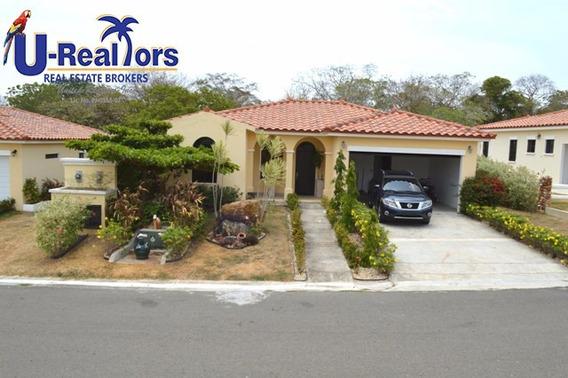 Negociable!!! Casa De Playa Con Piscina-amoblada-$315,000.00