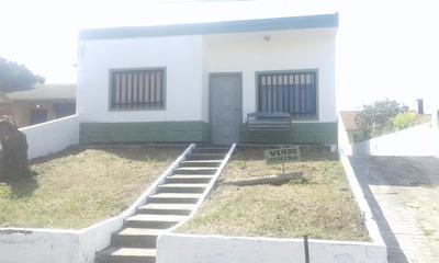 Vendo Casa De 3 Amb.y 2 Baños Mas 4 Dptos De 2 Amb.
