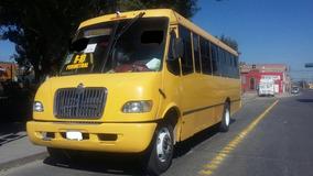 Camión De Pasajeros Internacional