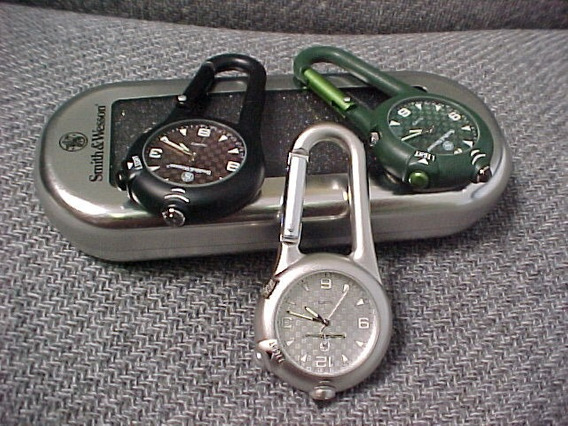 Tb Reloj Smith & Wesson Carabiner Led Light & Watch