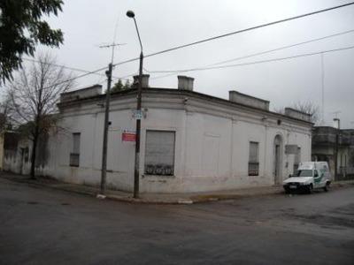 Amplia Casa En Zona Cèntrica