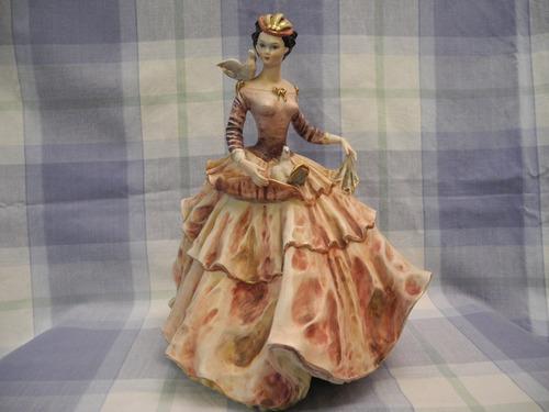 Fina Porcelana Italiana Con Mujer Muy Atractiva