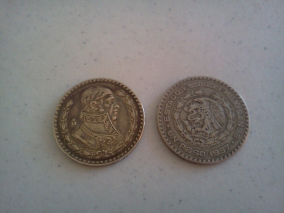 2 Monedas Antiguas De Un Peso 50 Y 60s Plata .100