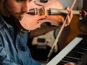 Clases De Violín, Guitarra Y Piano