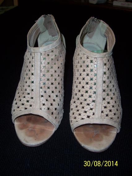 Zapatos De Cuero Tipo Botita De Clona