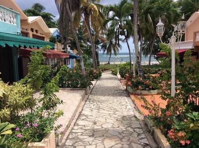 Venta - Casa - Juan Dolio - 3 Habitaciones - Us$235,000
