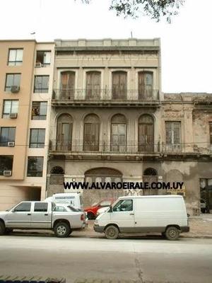 Casa+local.emblematico Frente Al Puerto