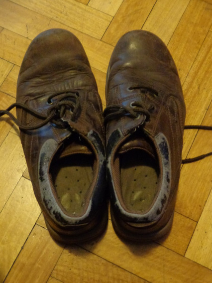 Zapatos Cat Marrones. Usados