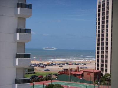 Espectacular Vista Al Mar Desde Todos Los Ambientes.