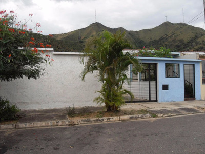 Se Vende Casa En La Esmeralda Con Anexo En Construccion