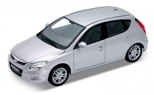 Hyundai I30 Escala 1:24 Welly Plata
