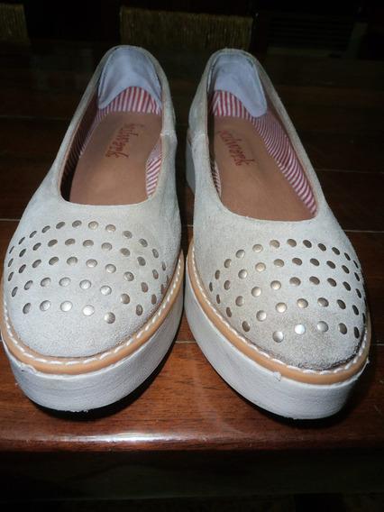 Zapatos Gamuzados C/ Plataforma Muy Finos, Poco Uso (devoto)