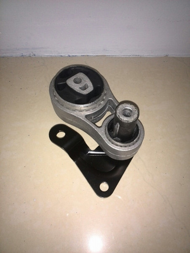Base Soporte Caja Inferior Fiesta Sinc 1.6 Mn 7s65-6p082 Rt