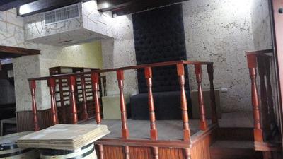 Local Para Restaurante En La Zona Colonial De Dos Niveles