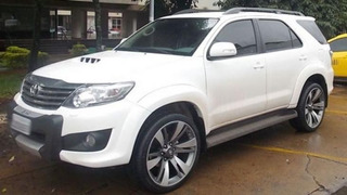 Toyota Hilux Fortuner Burbuja Prado 4runner Rines 20