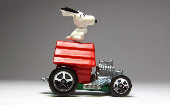 Hot Wheels Snoopy 88/259 Hw City 2014 Lacrado