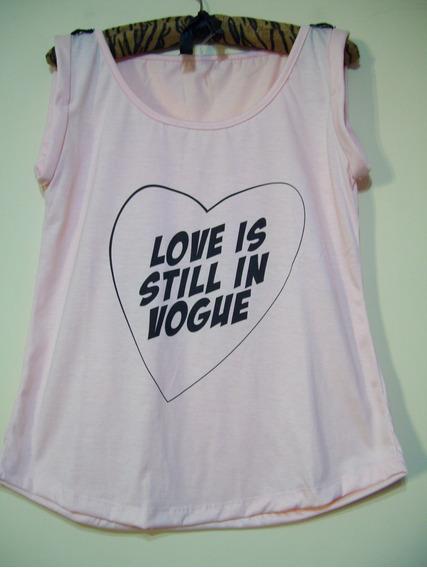Remera Mujer Talle M Con Leyenda Love Is In Vogue