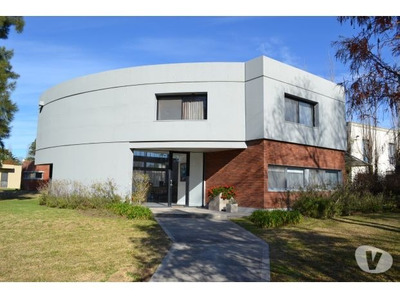 Alquiler Temporario-casa Cube- Lago Y Pileta-barrio Privado