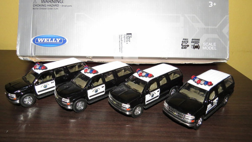 Perudiecast Chevrolet Chevy Suburban Police 2001 Welly 1:36