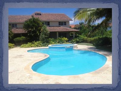 Vendo O Alquilo Villa En Juan Dolio, Piscina, Terraza, 3hab