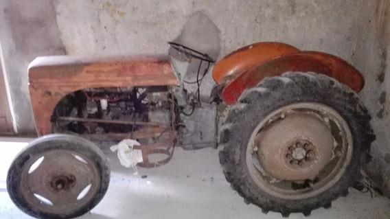 Vendo Tractor Ferguson A Superga