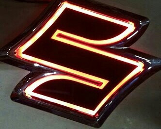 Emblema Logo Led Para Auto O Camioneta Suzuki