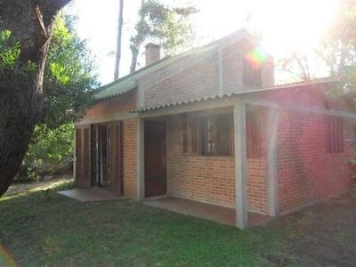 Casa La Gatine Con Jardin Cercado En El Barrio Country