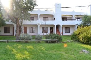 Apartamento Tipo Casa En Proa Al Mar-playahermosa-piriápolis