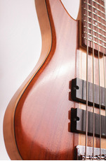 Construcción Reparación Calibración Guitarras Bajos Luthier
