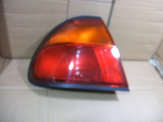 Lanterna Traseira Esquerda Mazda Protege