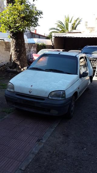Renault Clio 1.6 Rld Dh Chocado 04 Baja Dsl Treinta Mil Peso