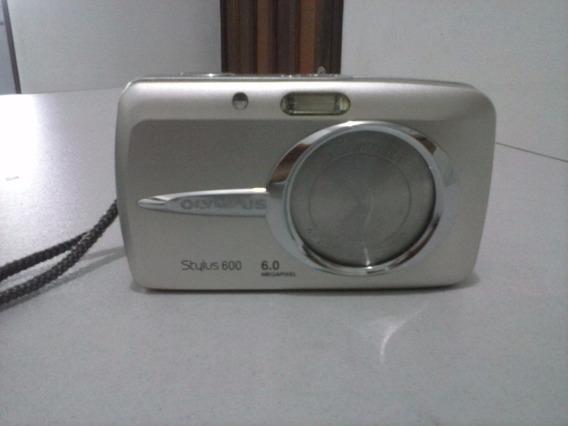 Câmera Digital Olympus Stylus 600 6.0 Megapixel