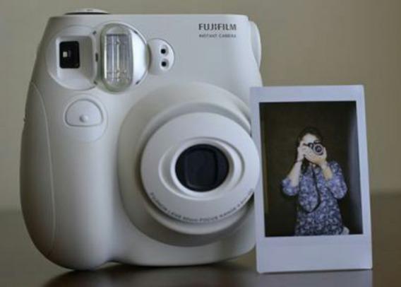 Câmera Instantânea Instax Mini S7 - Fujifilm Branca