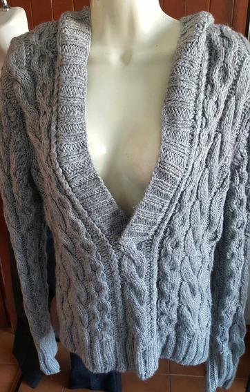 Sweater Con Gorro Gris