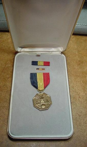 Medalha Usmc & Navy For Heroism _ Box